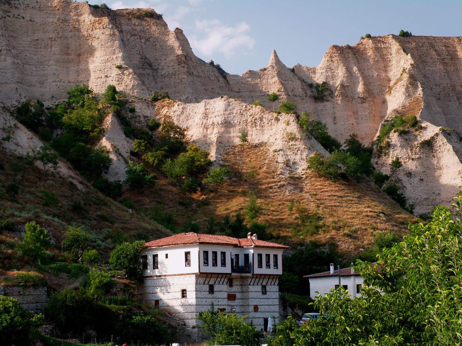 Bulgaria rocks: a hiker's guide to five geological wonders