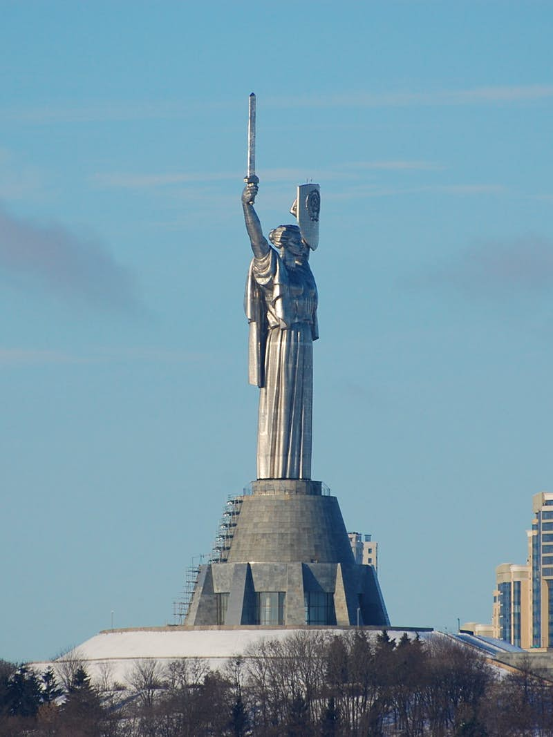 The 62m-tall Rodina Mat memorial © Pavlo Fedykovych / Lonely Planet