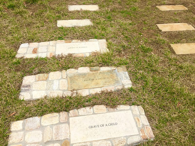 Graves of the unknown at the Contrabands and Freedmen Cemetery © Barbara Noe Kennedy / Lonely Planet