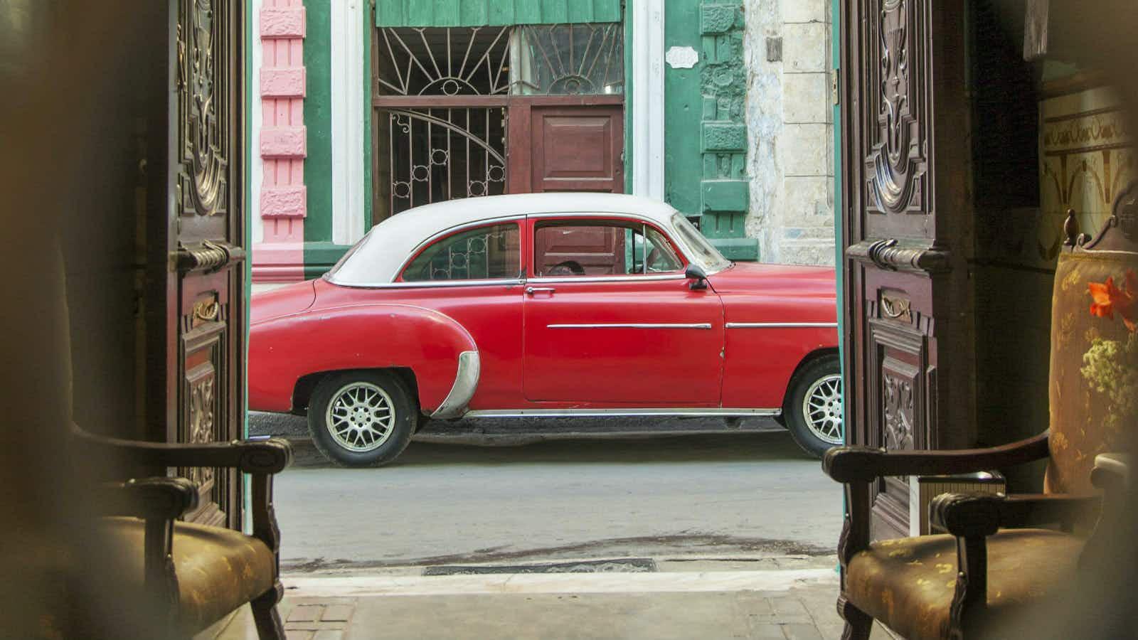 Behind Cuba's curtain: backstage Havana