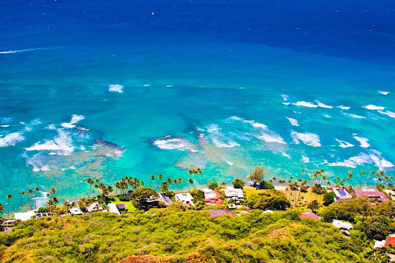 The view of the sea from Diamond Head on O'ahu, Hawaii ©500px