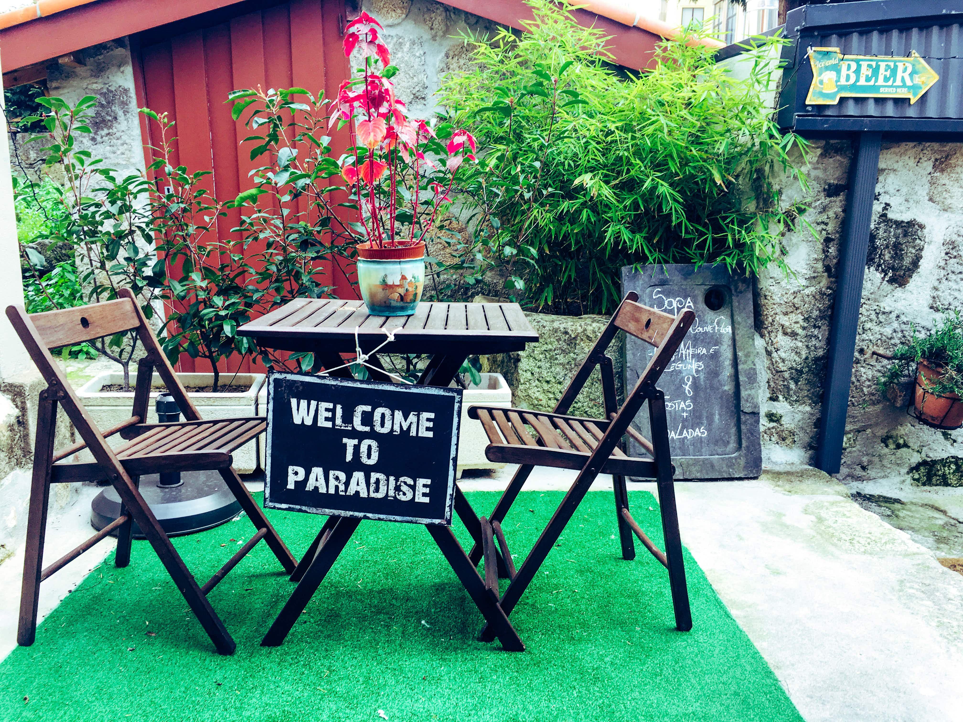 11 secret gardens in Porto