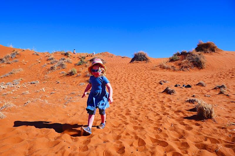Nambia-child-safari-desert-family-sand