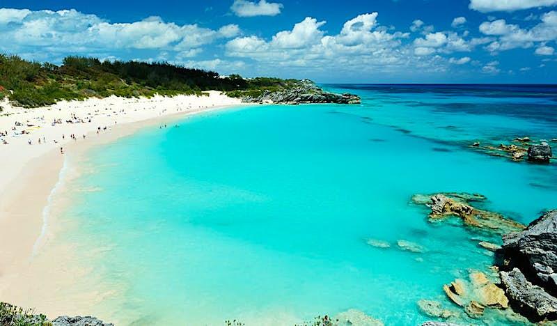 One of Bermuda's many stunning pink sand beaches © PixieMe / Shutterstock