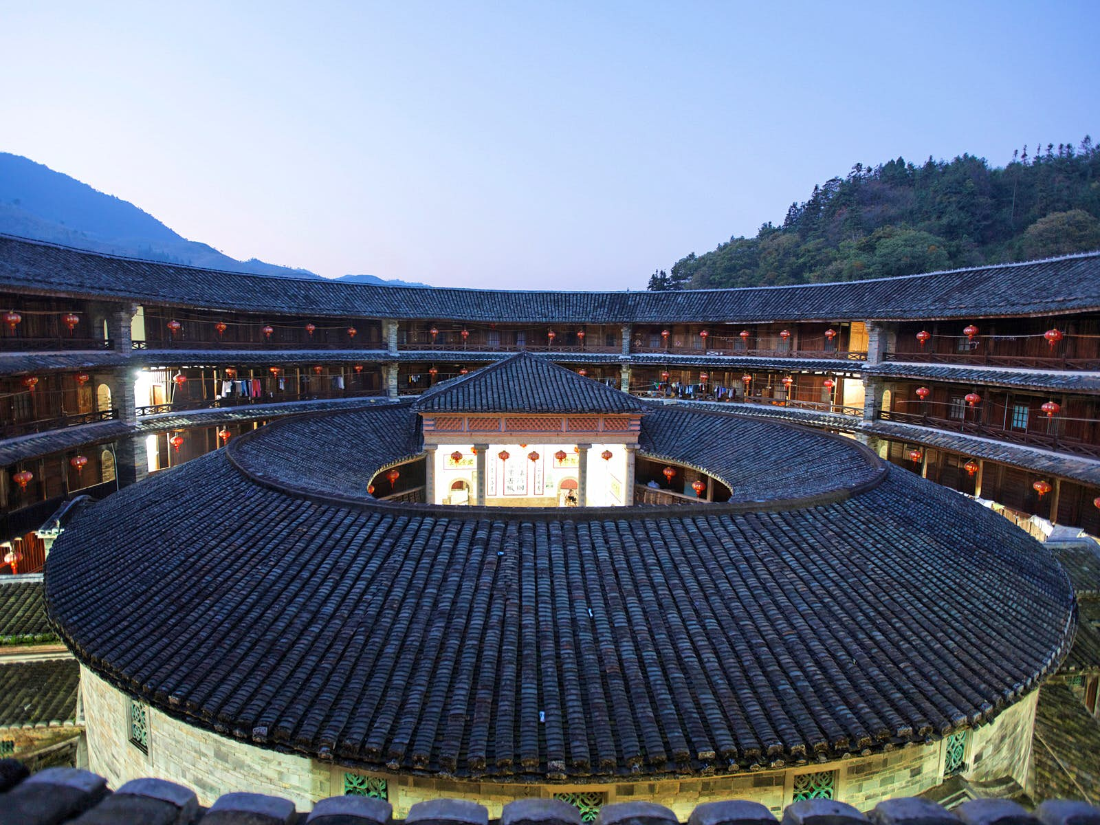Stop off from the 'coastal train' in Fujian for a stay at a tulou (roundhouse) © JTB Photo / Getty