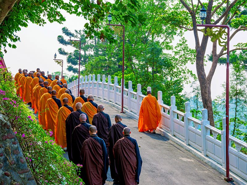 Resident monks and nuns provide guided visits to Foguangshan © asiastock / Shutterstock