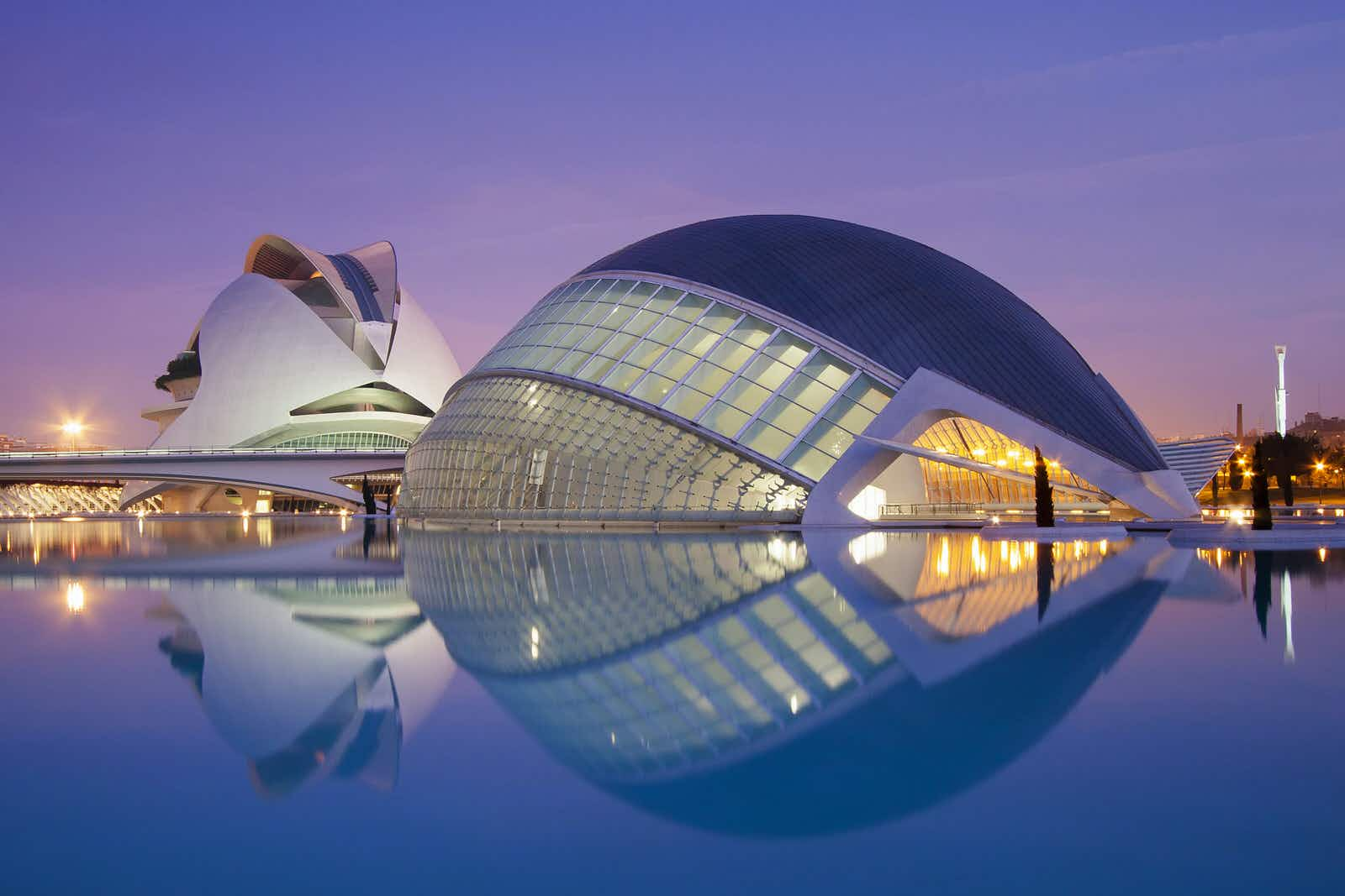 Valencia and Alicante: beaches, barrios and otherworldly buildings