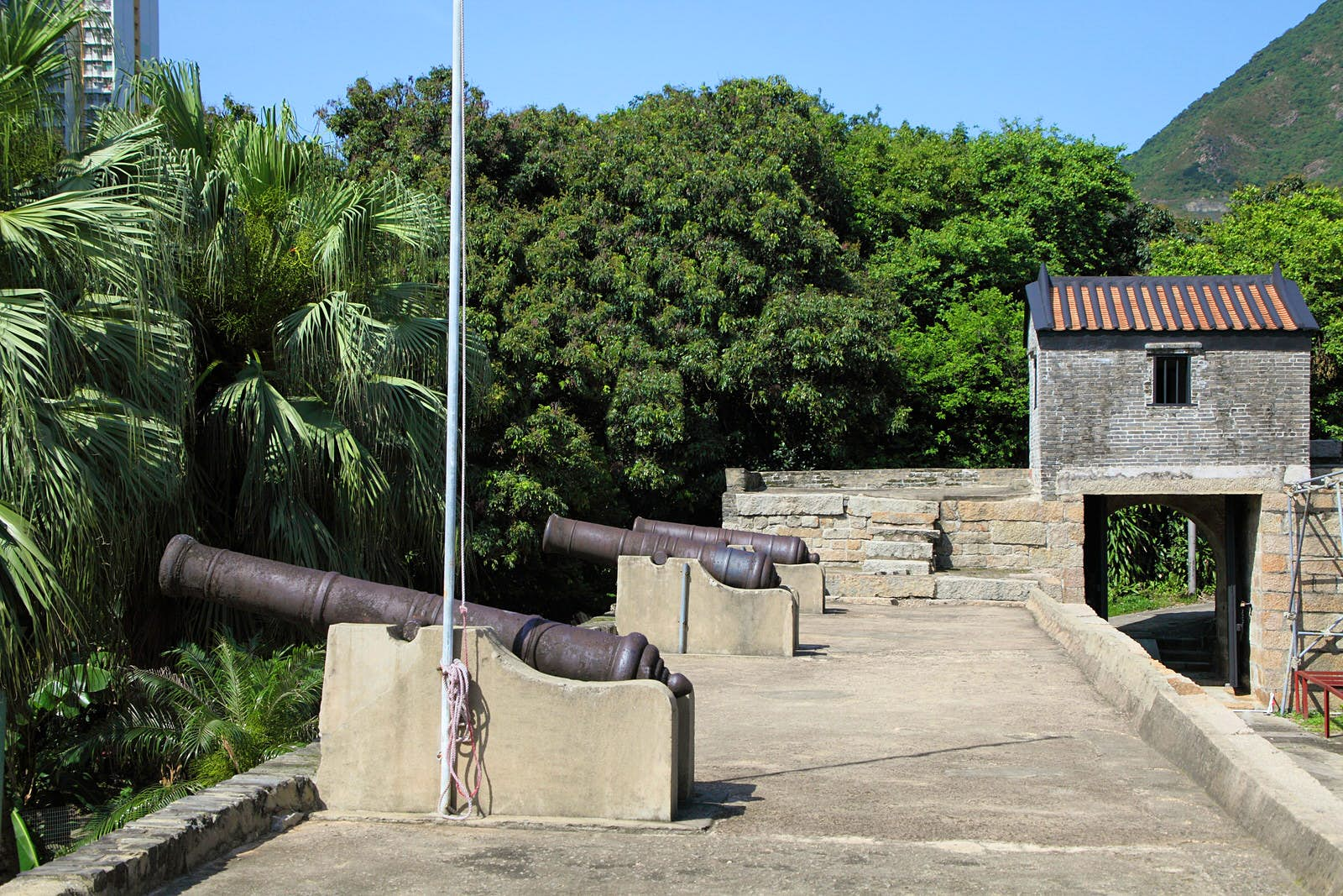 Cannons line the ramparts at Tung Chung Fort