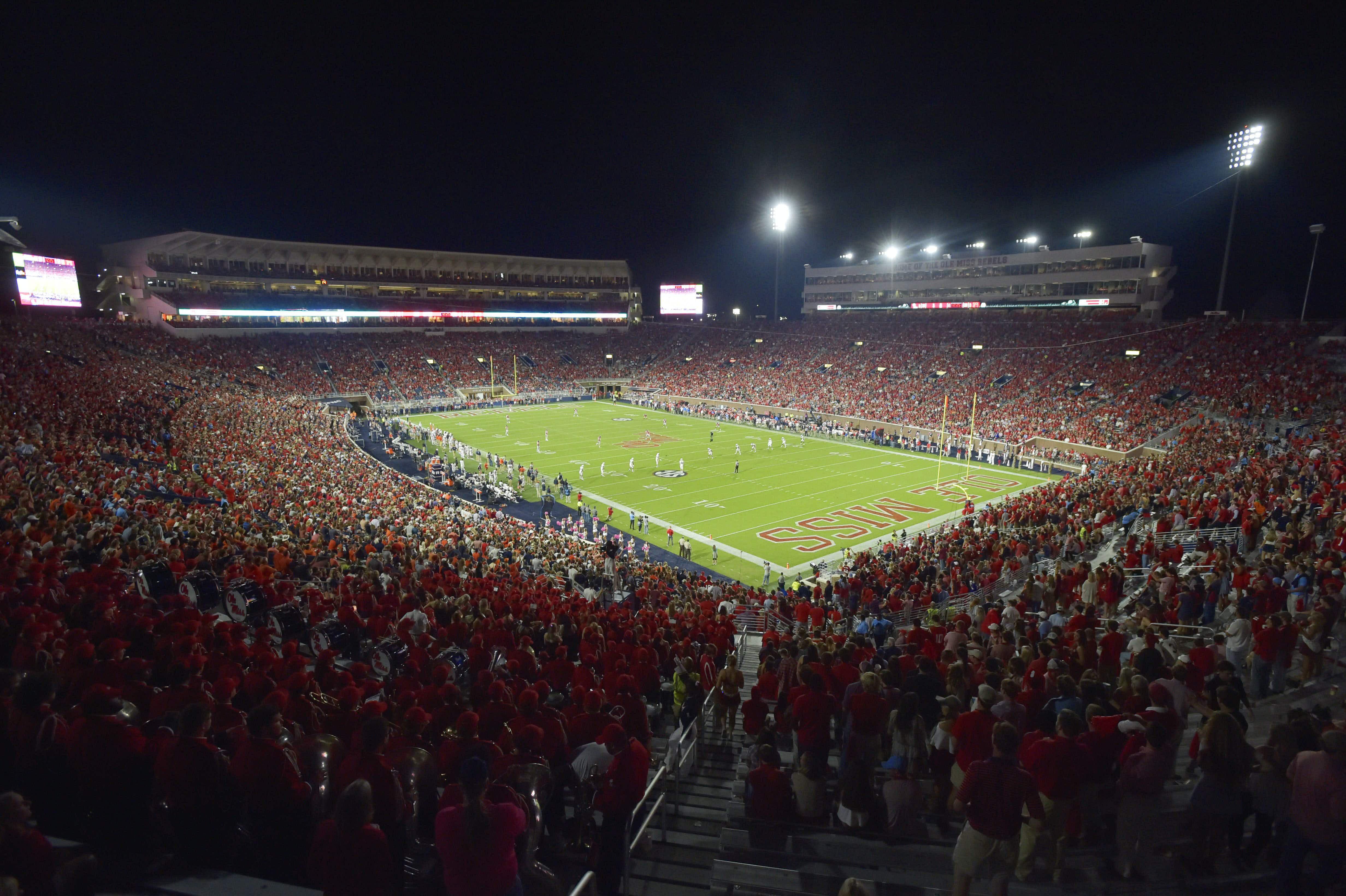 Football under the lights at Ole Miss © Austin Mcafee/CSM/REX/Shutterstock