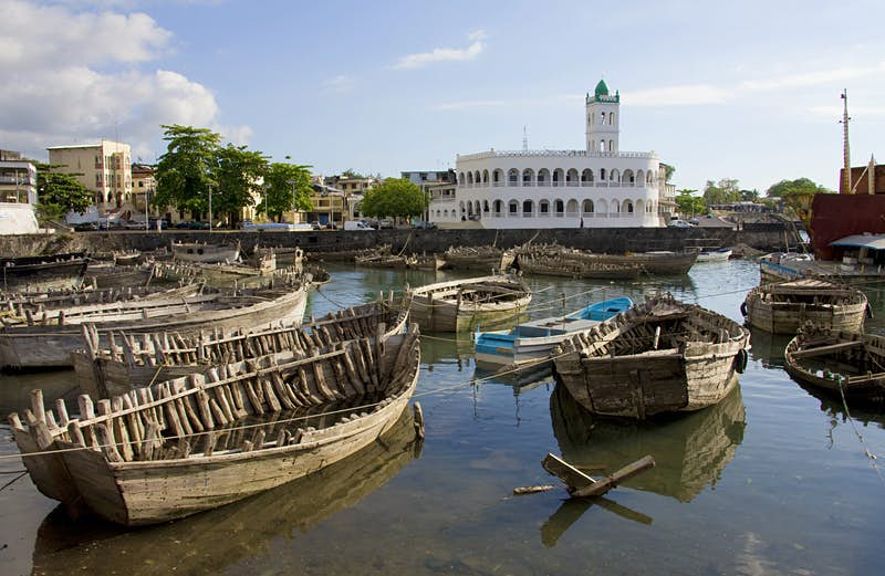 Wrecked boats in the harbour of Moroni, Grand Comore ©altrendo travel / Getty Images