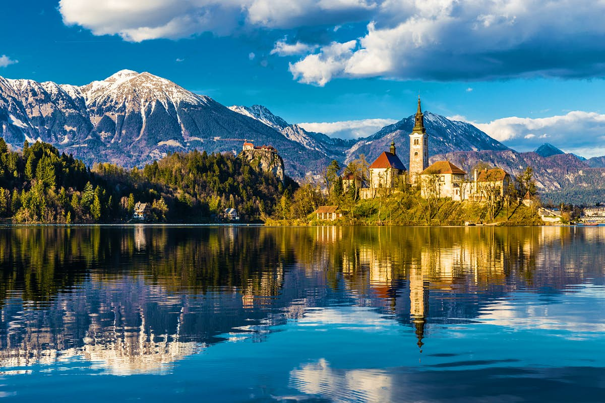 Eight scenic days in the Slovenian Alps