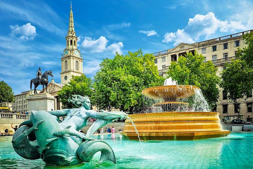 Fountains and architecture around Trafalgar Square, London