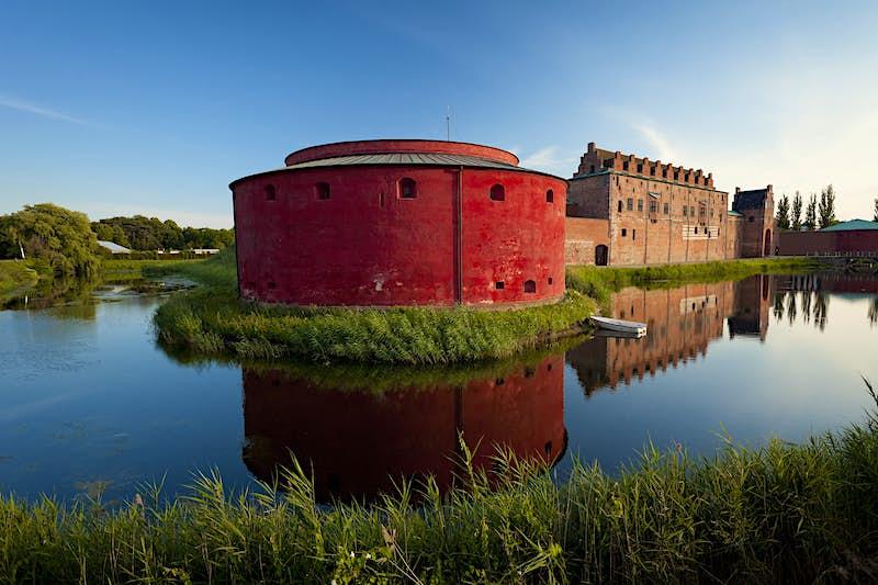 Features - Malmo Castle, Sweden