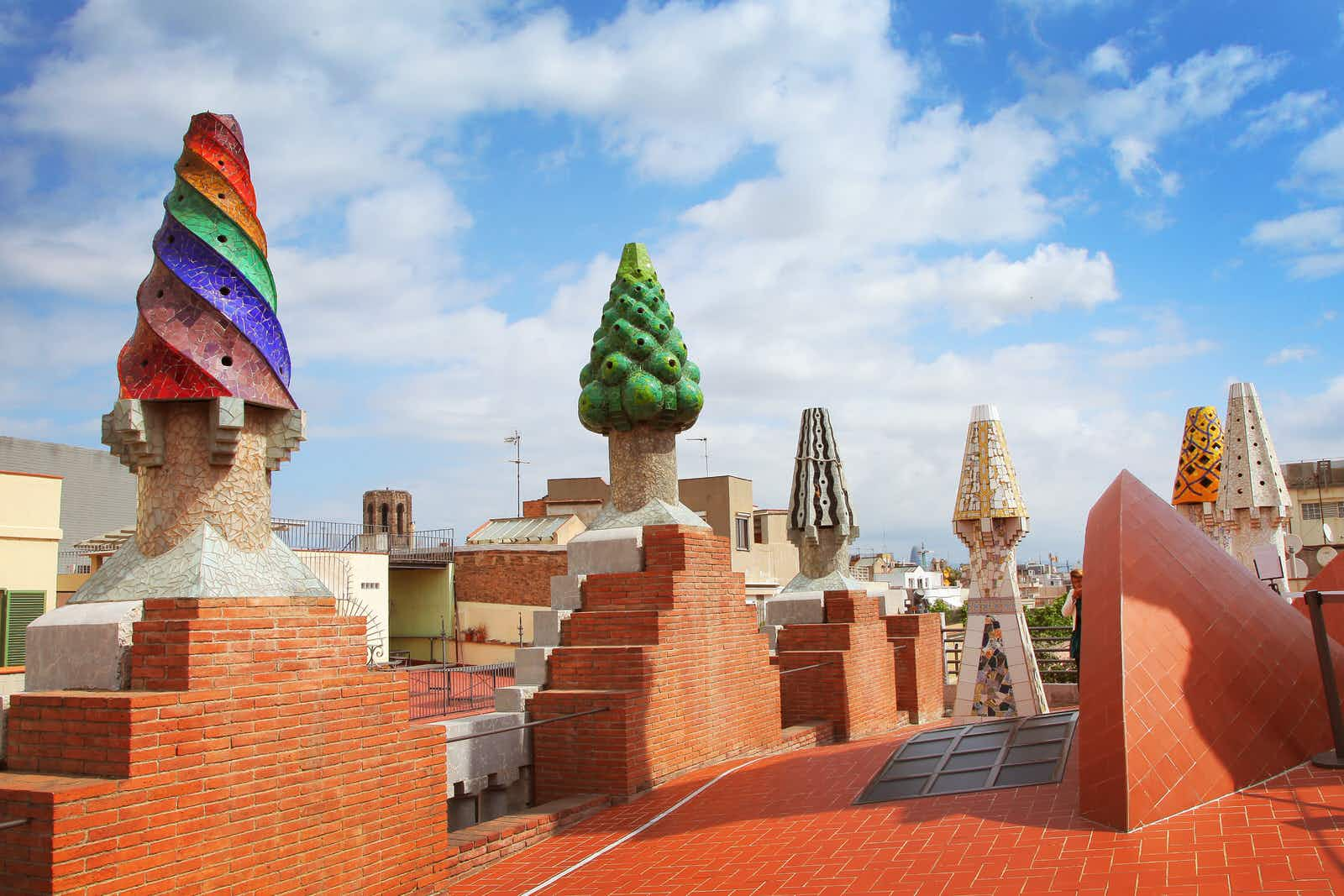 The mosaic chimneys on the roof of Palau Güell © Lisa A / Shutterstock