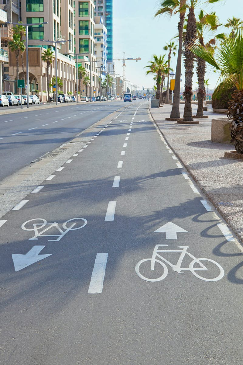Bicycle track along the Street in Tel Aviv, Israel © Anna_G / Shutterstock