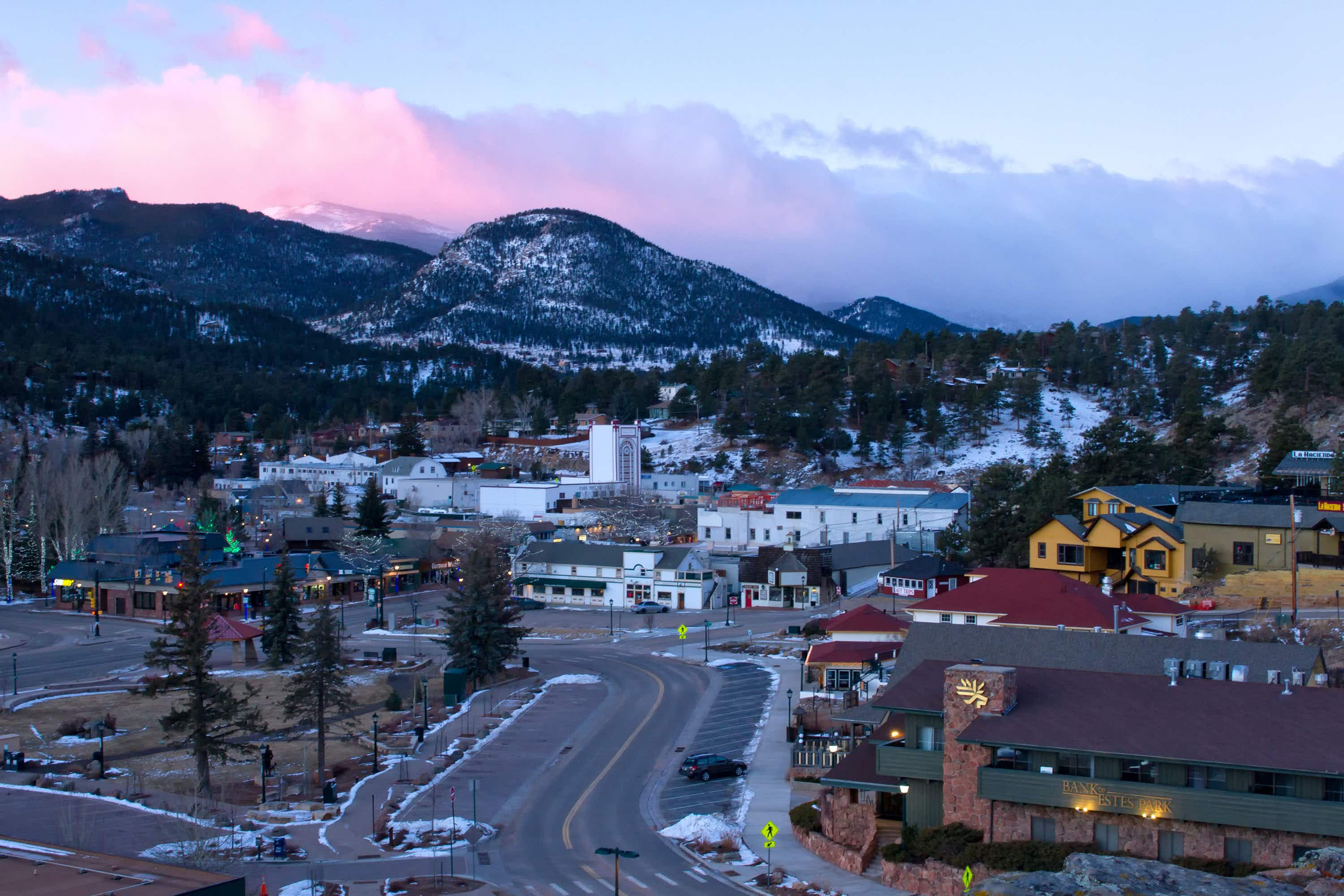 Estes Park: your base for winter adventures in the Rocky Mountains