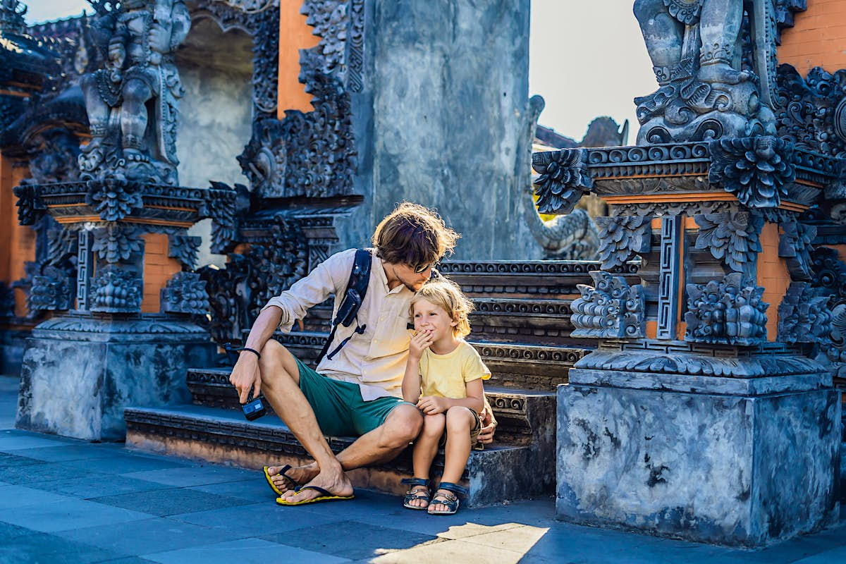 10 tips for planning an affordable family vacation