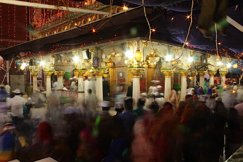 Hazrat Nizamuddin Dargah Complex, swarmed by devotees