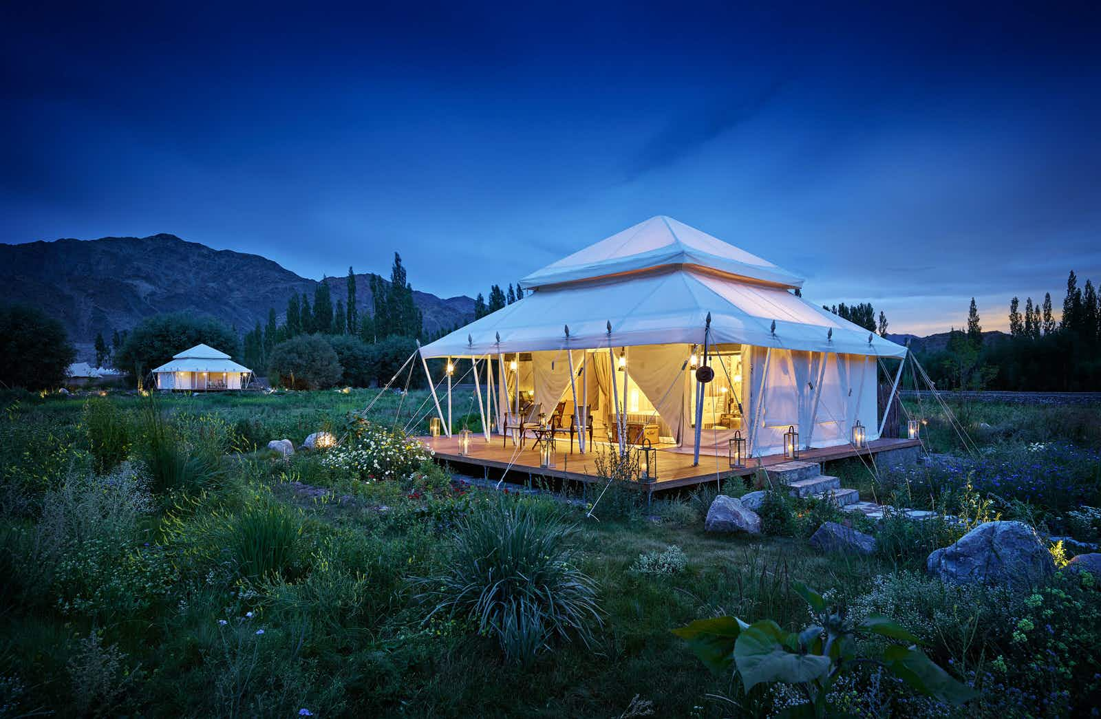 A luxury tent in Ladakh. Image (c) The Ultimate Travelling Camp