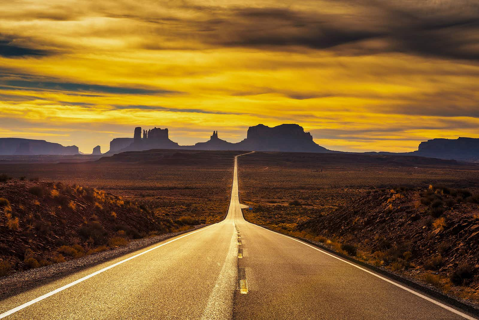 Hit the open road in the western US with our play list ©Miroslav_1 / Getty Images