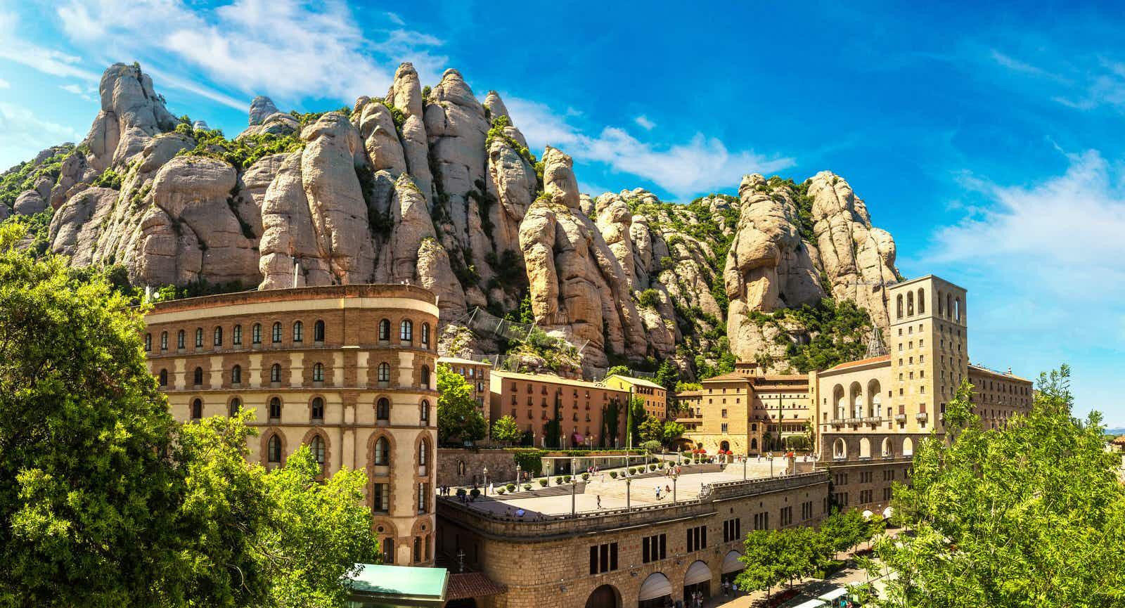 The Monestir de Montserrat, nestled among rock formations © S-F / Shutterstock
