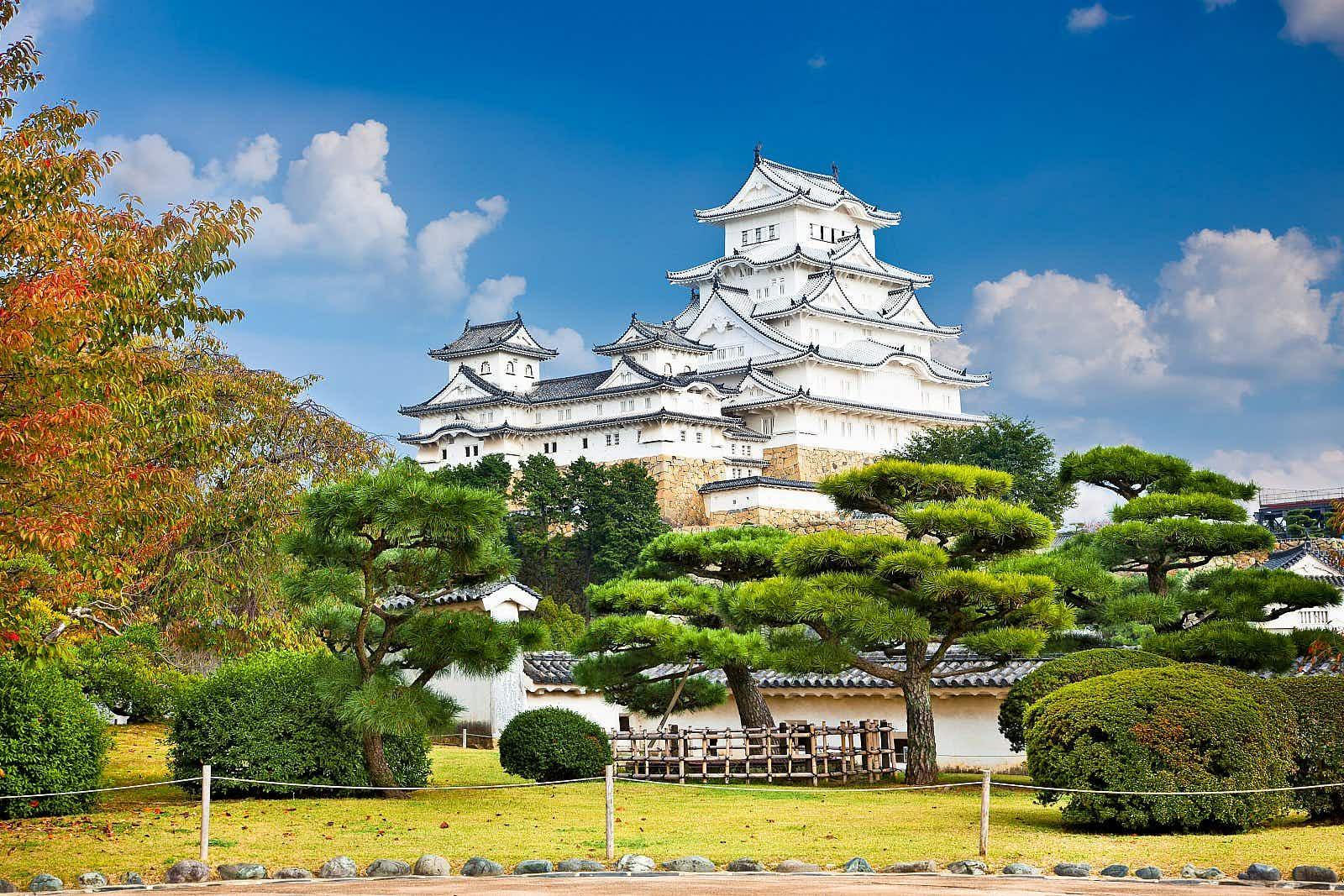 Miyajima, Hiroshima, Japanese floating shrine © Sean Pavone / Shutterstock