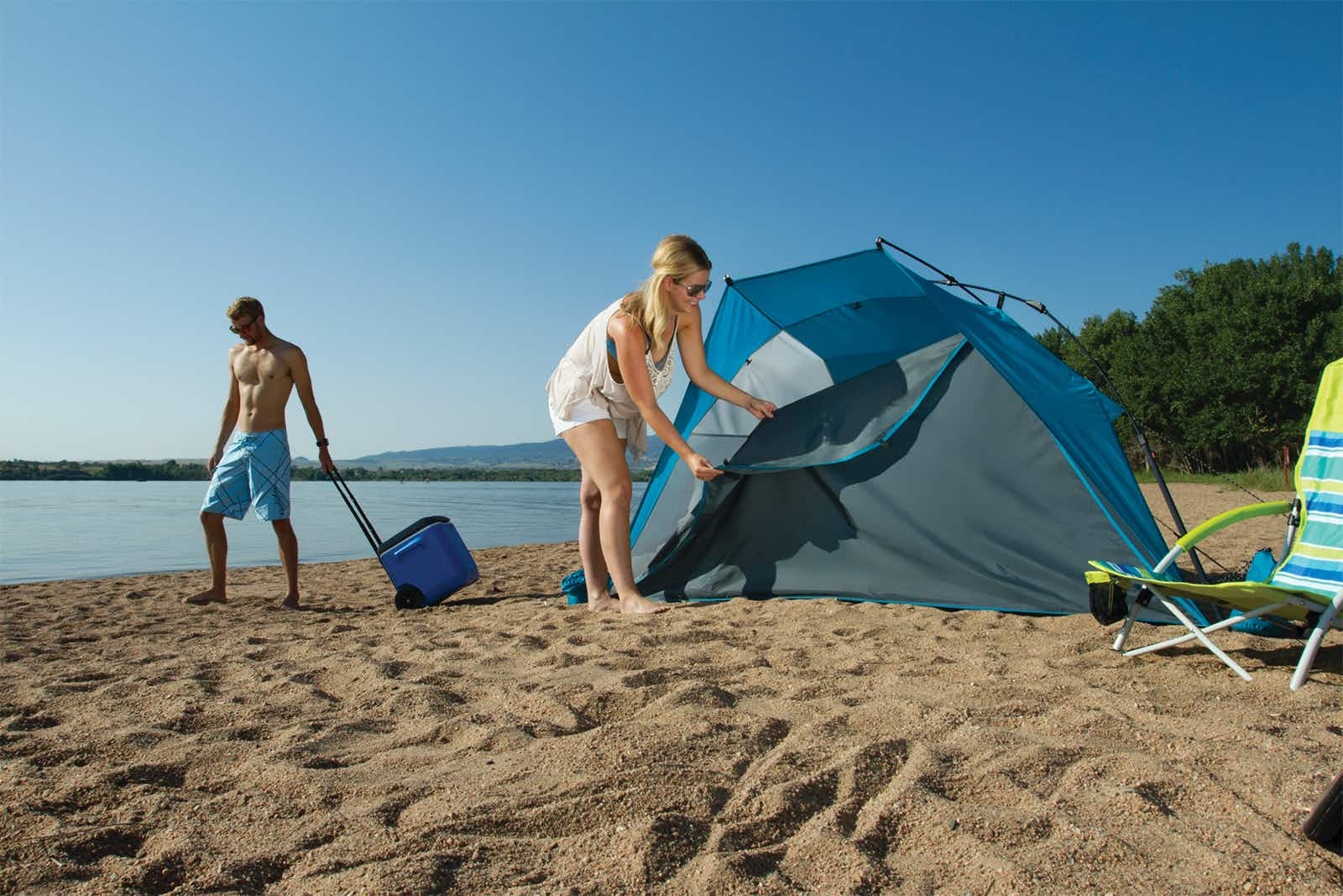 Coleman's Shoreline Instant Shade shelter goes up quick for maximum beach comfort © Image courtesy of the Coleman Company