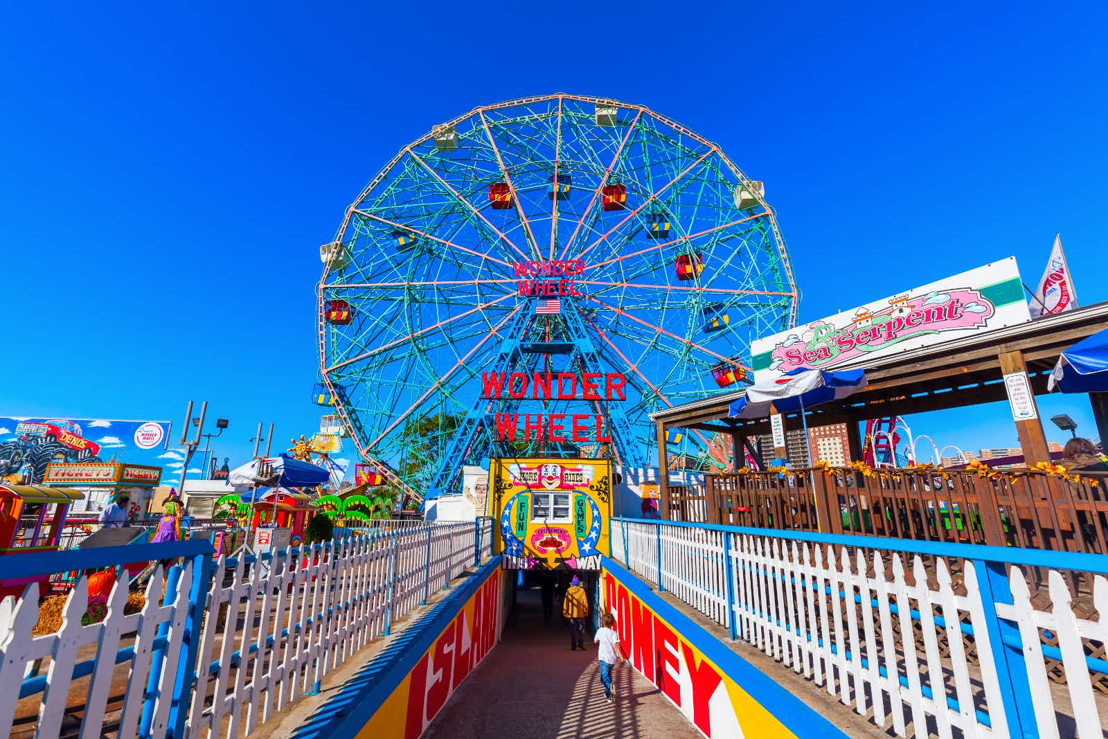 The iconic Wonder Wheel of Coney Island still stands tall ©Christian Mueller / Shutterstock