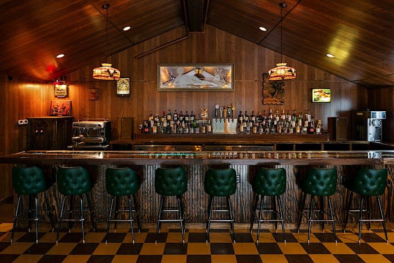 1. Dive Motel_Dive Bar_Ben Fitchett.jpg