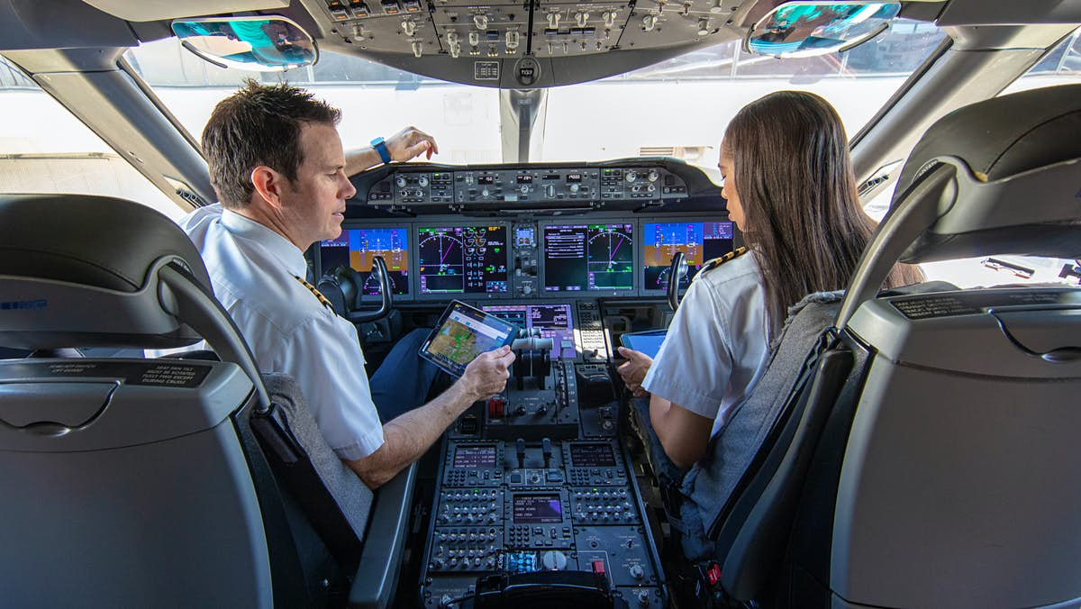 US airline launches its own flight school - Lonely Planet
