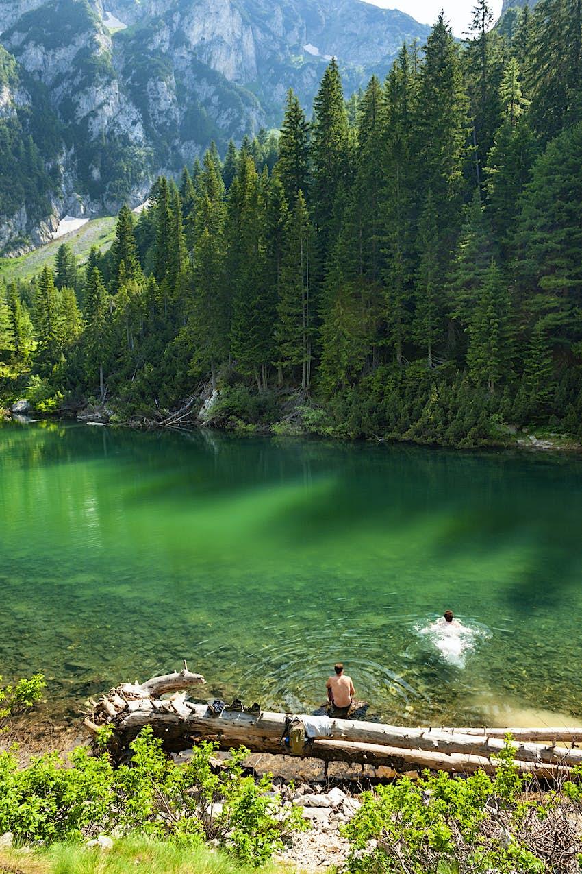 Liqeni i Drelajve lake takes on a jade-green hue in bright sun