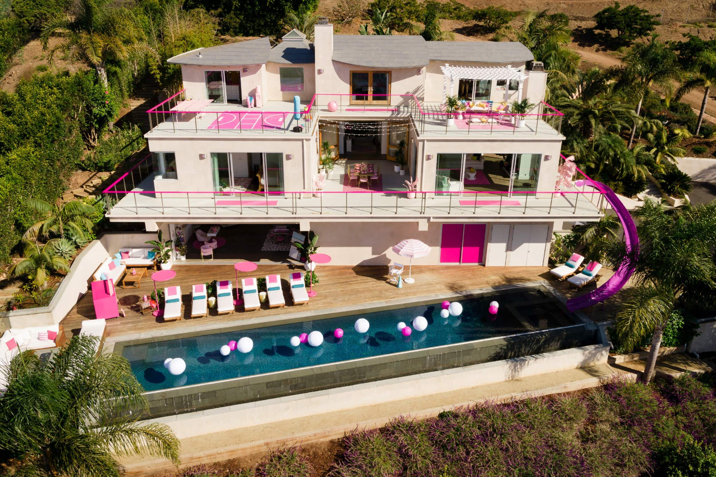 Guests will get to spend two nights in Barbie's Malibu Dreamhouse © Airbnb