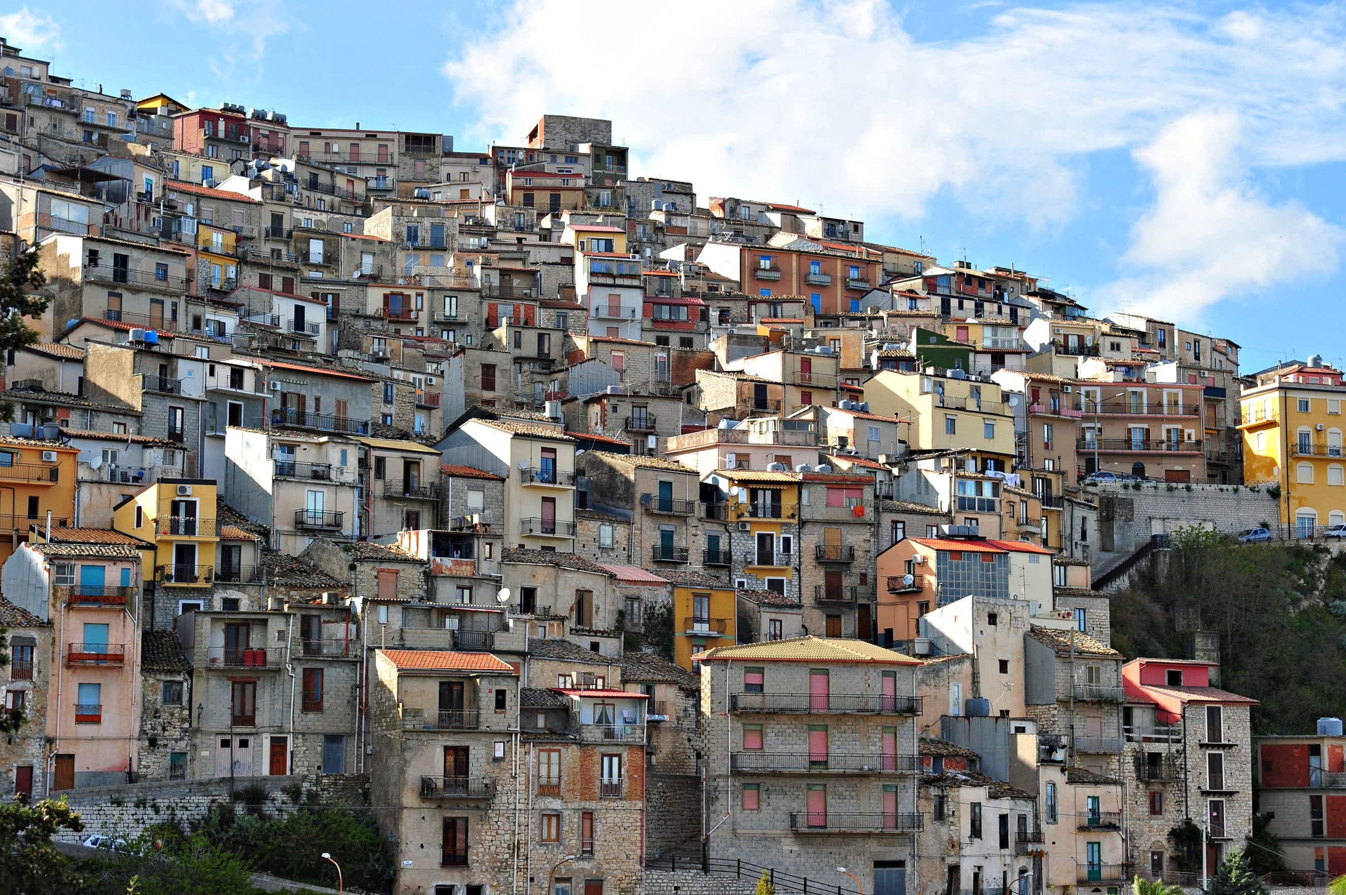 The Sicilian town of Cammarata is putting empty homes on the market for absolutely nothing ©Getty Images