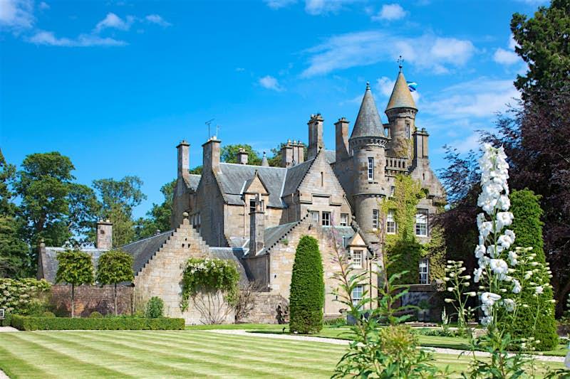 Carlowrie Castle in Edinburgh