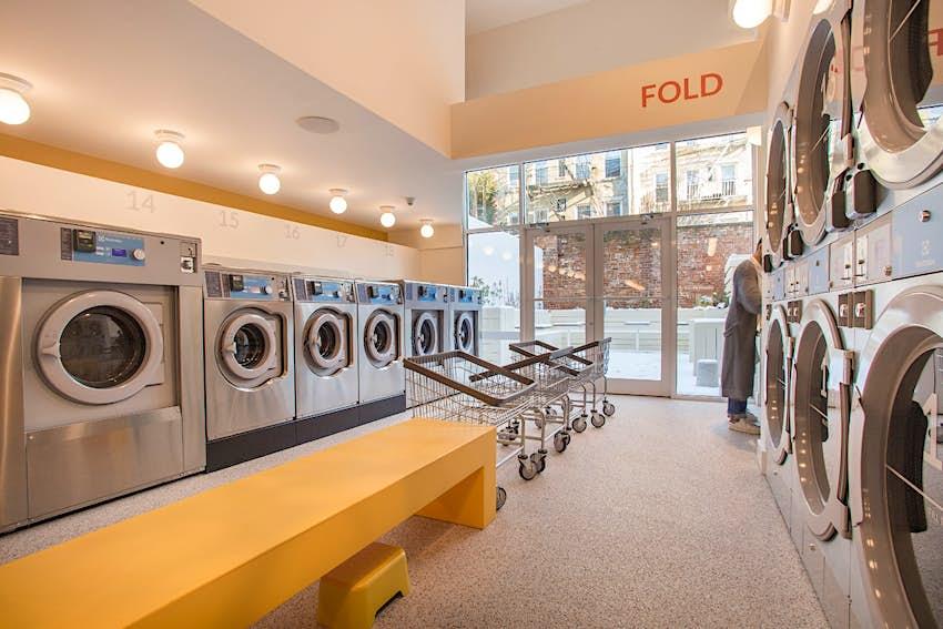 Kinh nghiệm mở tiệm giặt là kinh doanh hiệu quả Celsious%204.jpg?auto=format&fit=crop&sharp=10&vib=20&ixlib=react-8.6