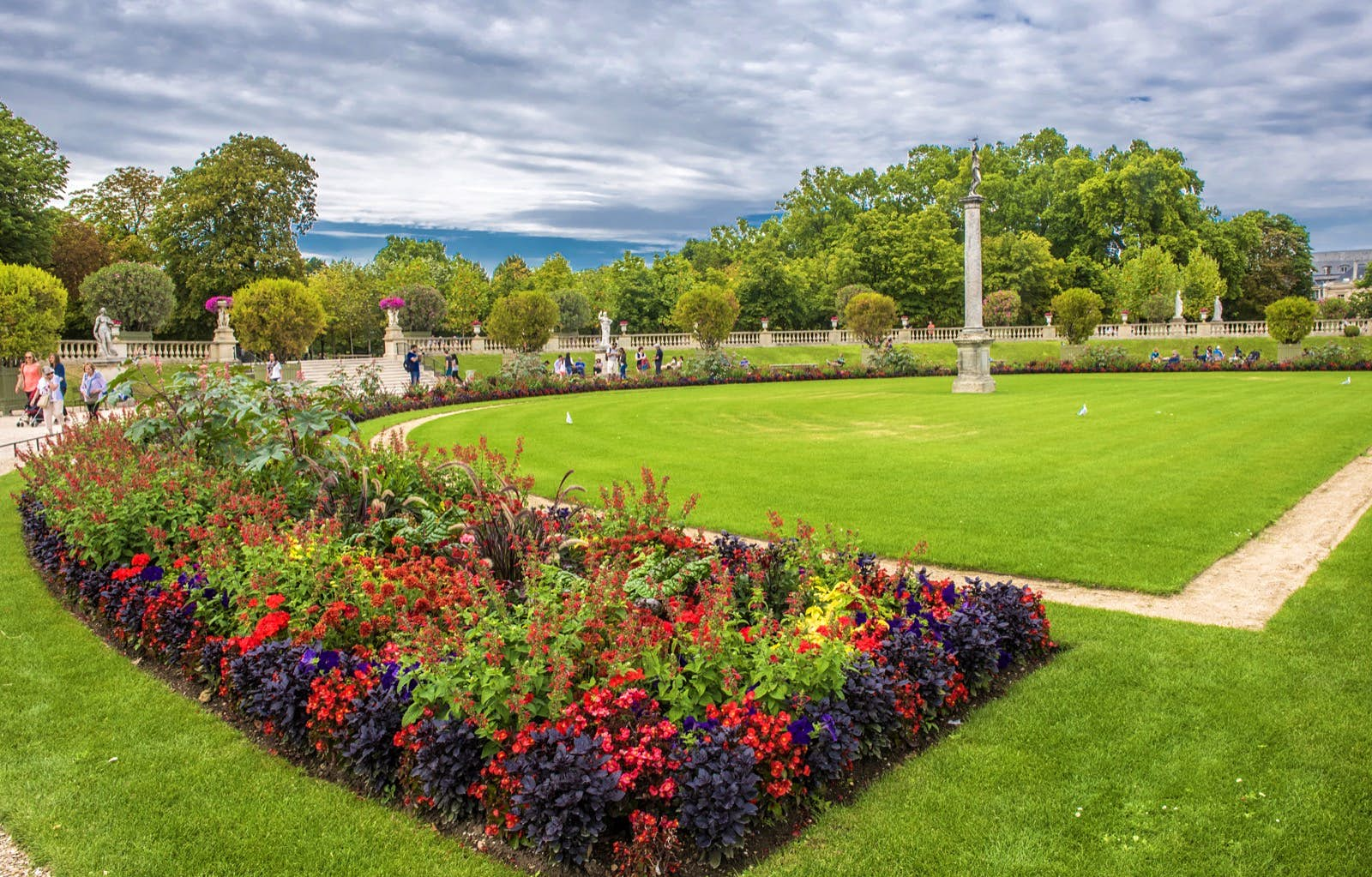 Bassin Fontaine De Jardin top 10 things to do in paris in spring - lonely planet