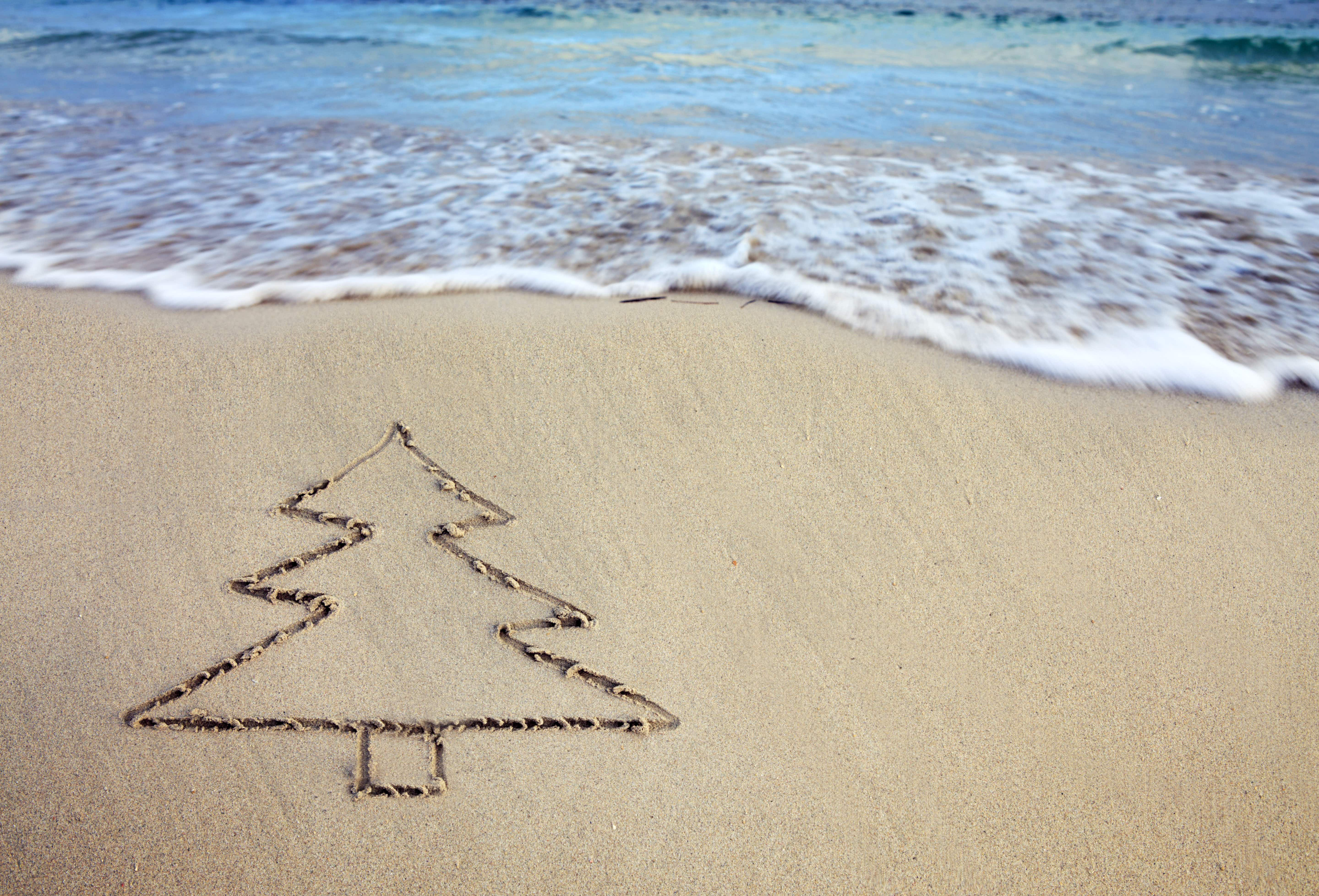 Trade in snow for sand and warm waters during this holiday season © SW Kunst / Getty Images