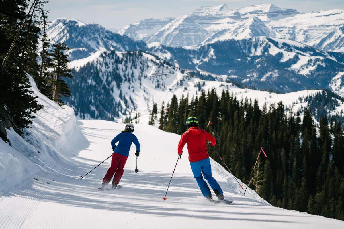 Utah's ski season usually runs from before Thanksgiving through April, with plenty of deep powder from beginning to end © courtesy of Ski Utah