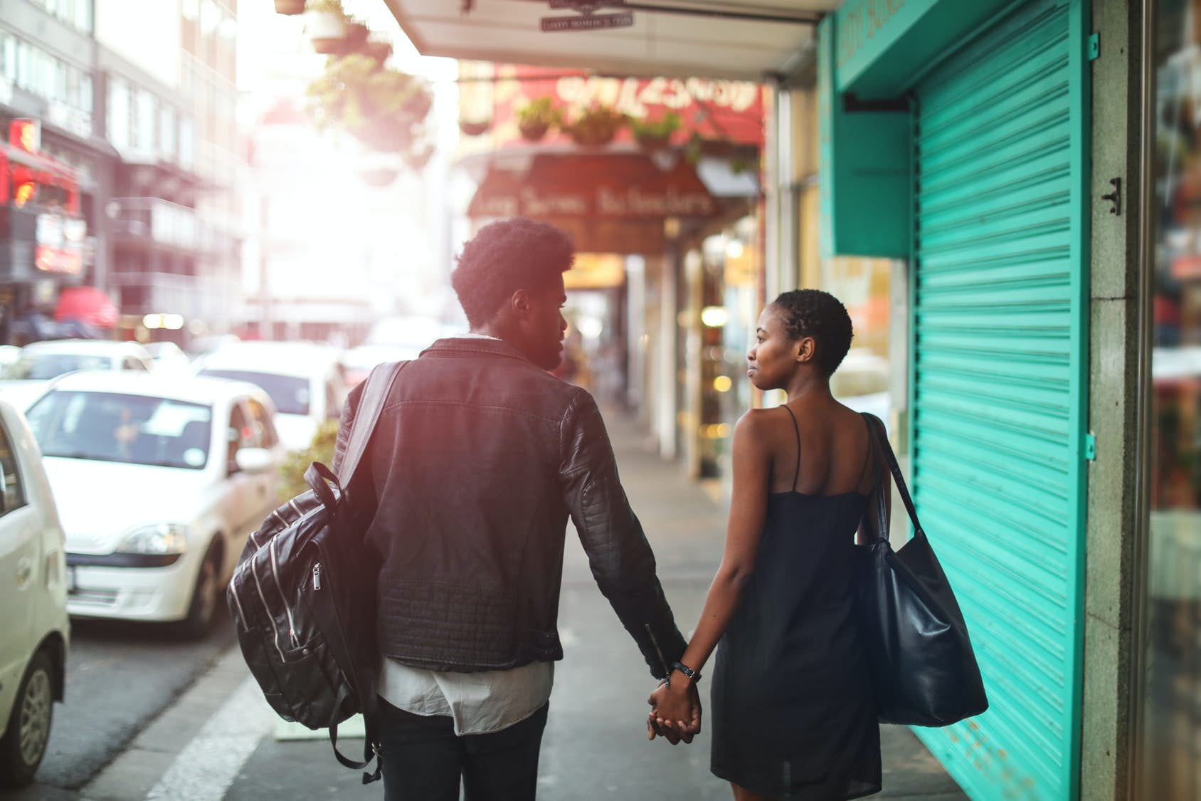 How to find - and survive - a holiday romance