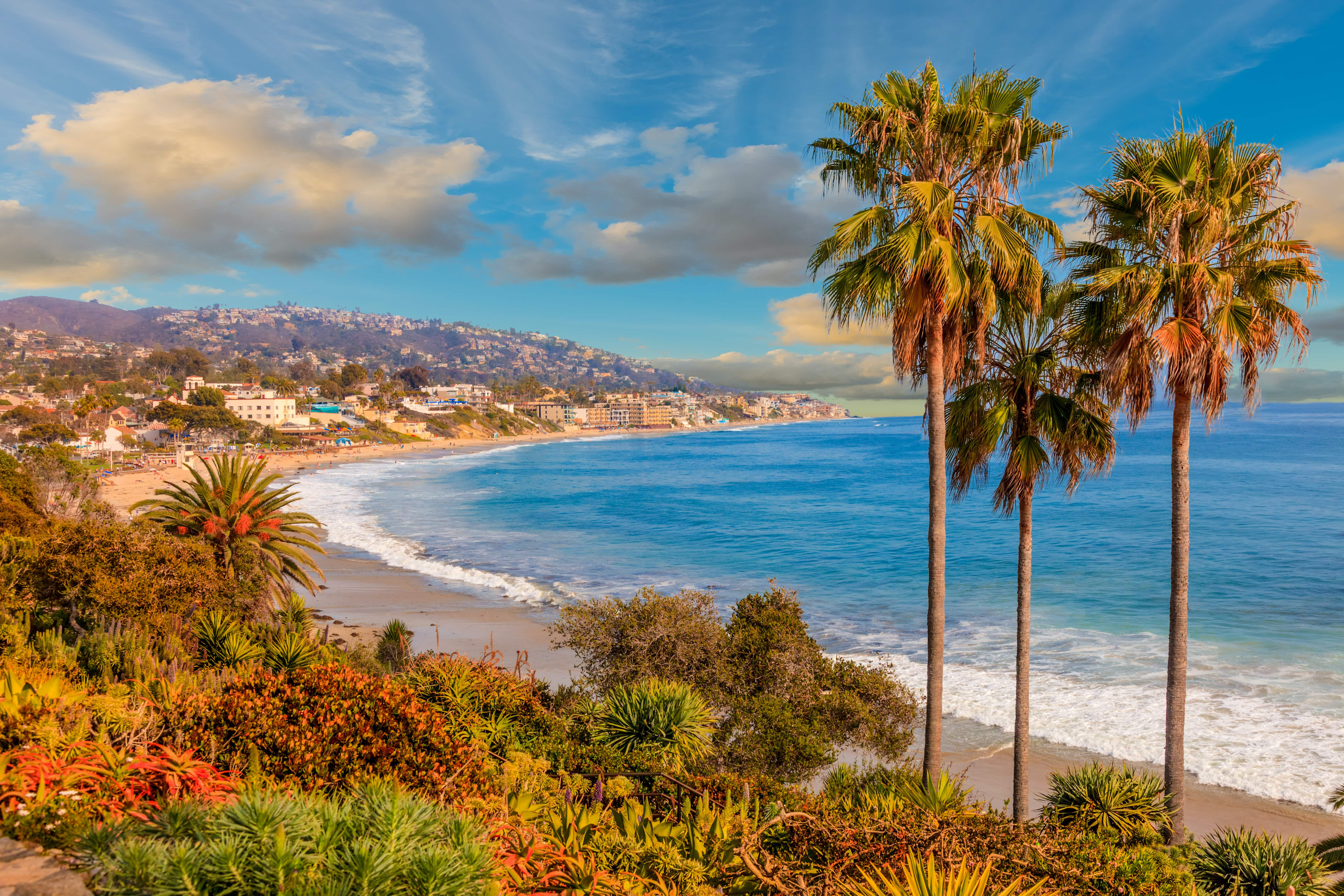 Laguna Beach is perfect for art lovers looking for a beach vacation © Ron and Patty Thomas / Getty Images