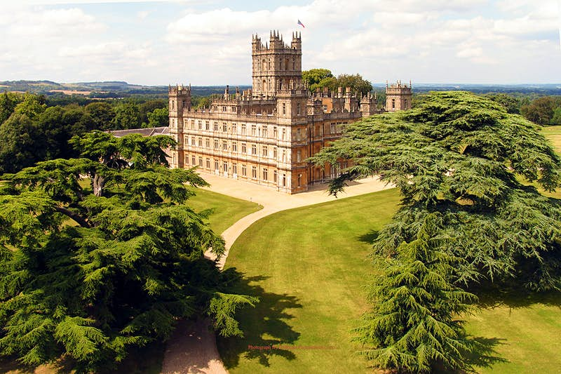 Downton Abbey's castle can be rented on Airbnb for one night only