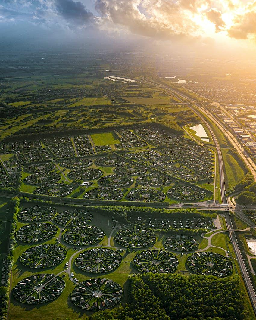 Το πράσινο Garden City της Δανίας μοιάζει με κύκλους καλλιέργειας