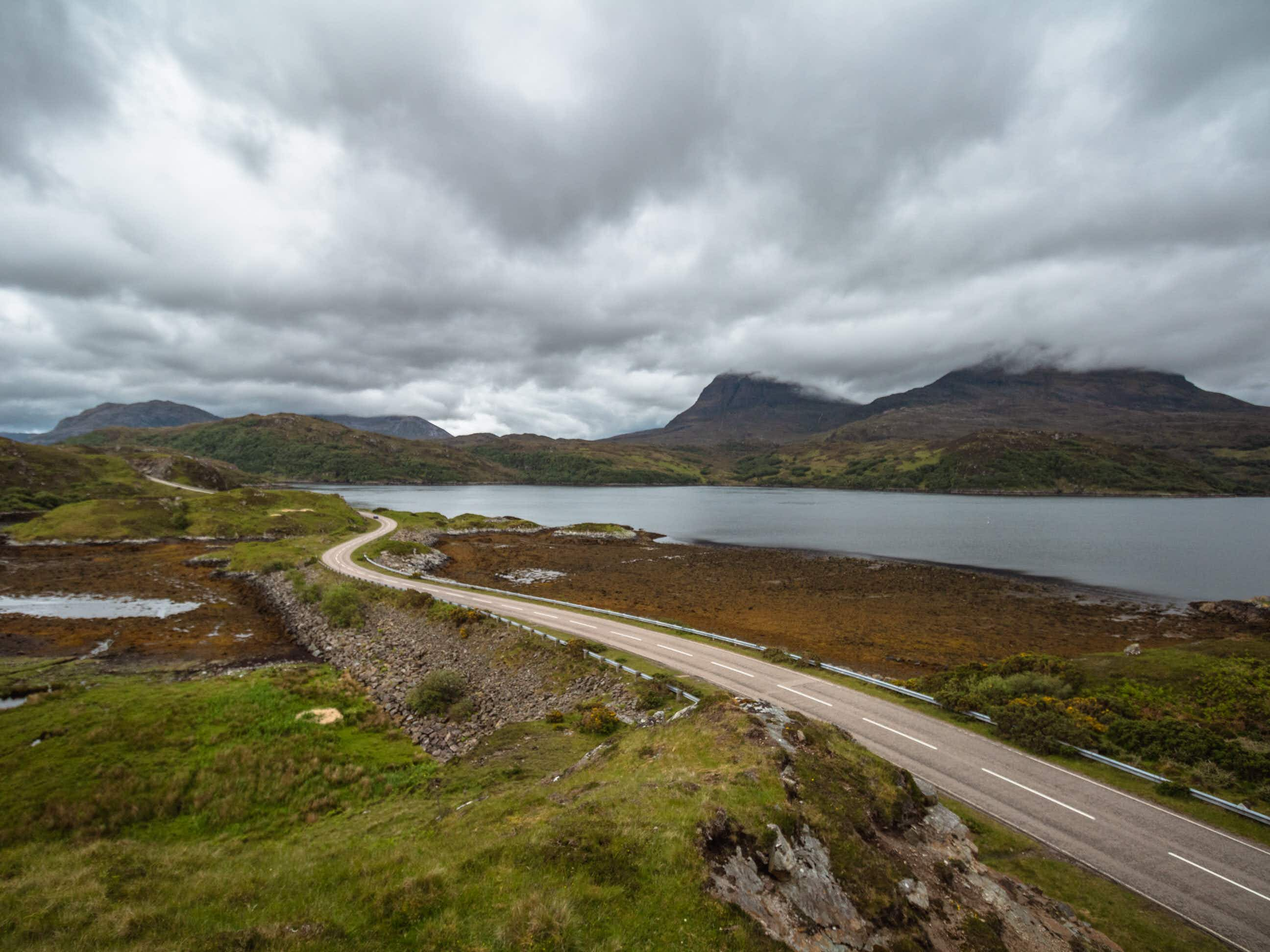 It's possible to see some of Scotland's most stunning scenery on a tight budget © Florian Roquais / Lonely Planet