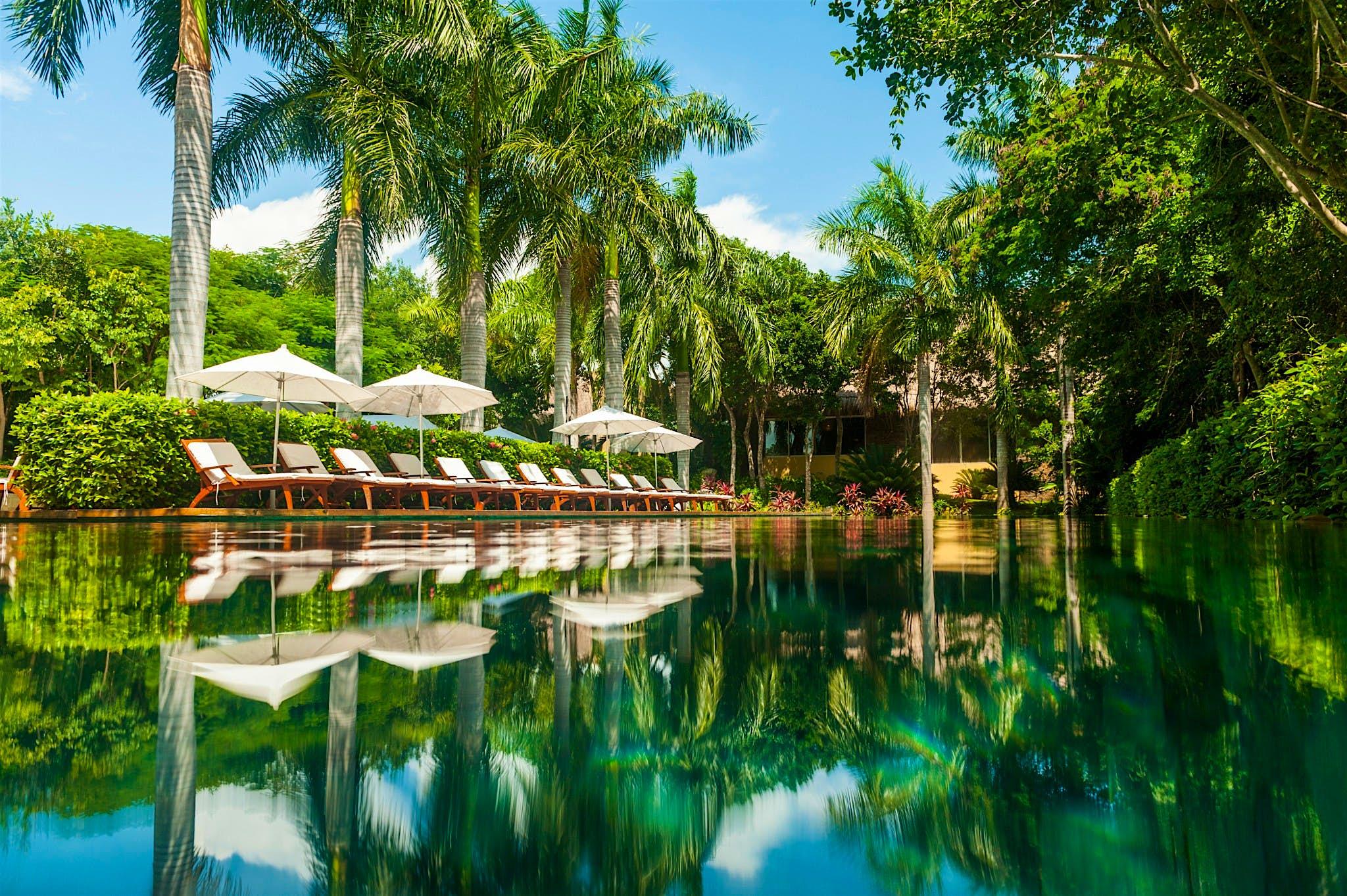 A área da piscina no Grand Velas Riviera Maya