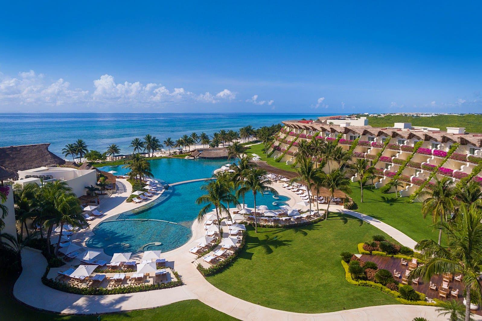 O exterior do Grand Velas Riviera Maya