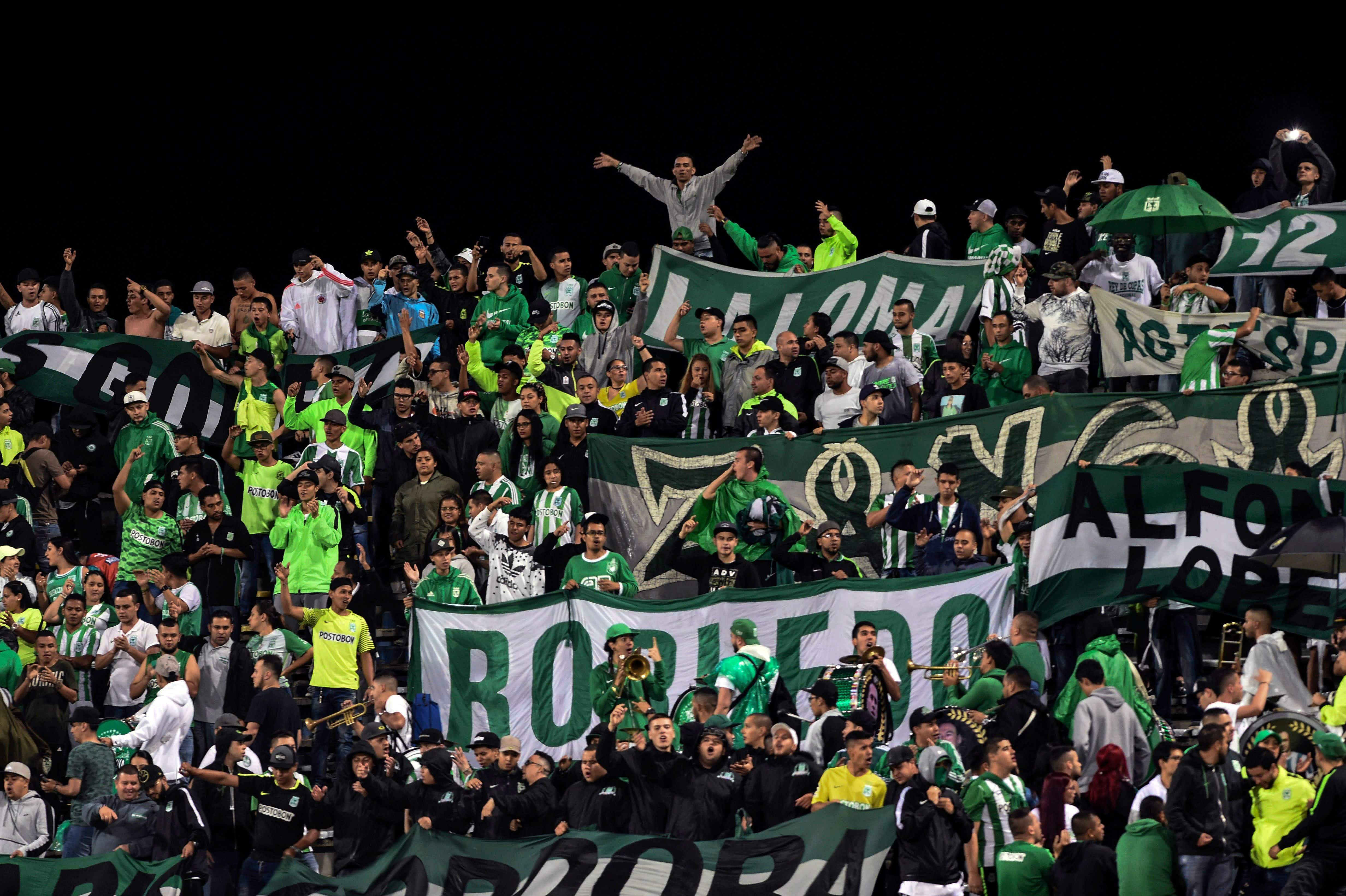 Nacional soccer fans are among the sports most passionate in Colombia © Joaquin Sarmiento / Getty Images