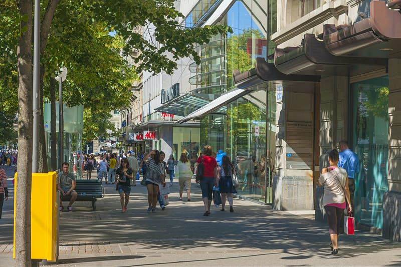 Sunday shopping might get easier in Zurich