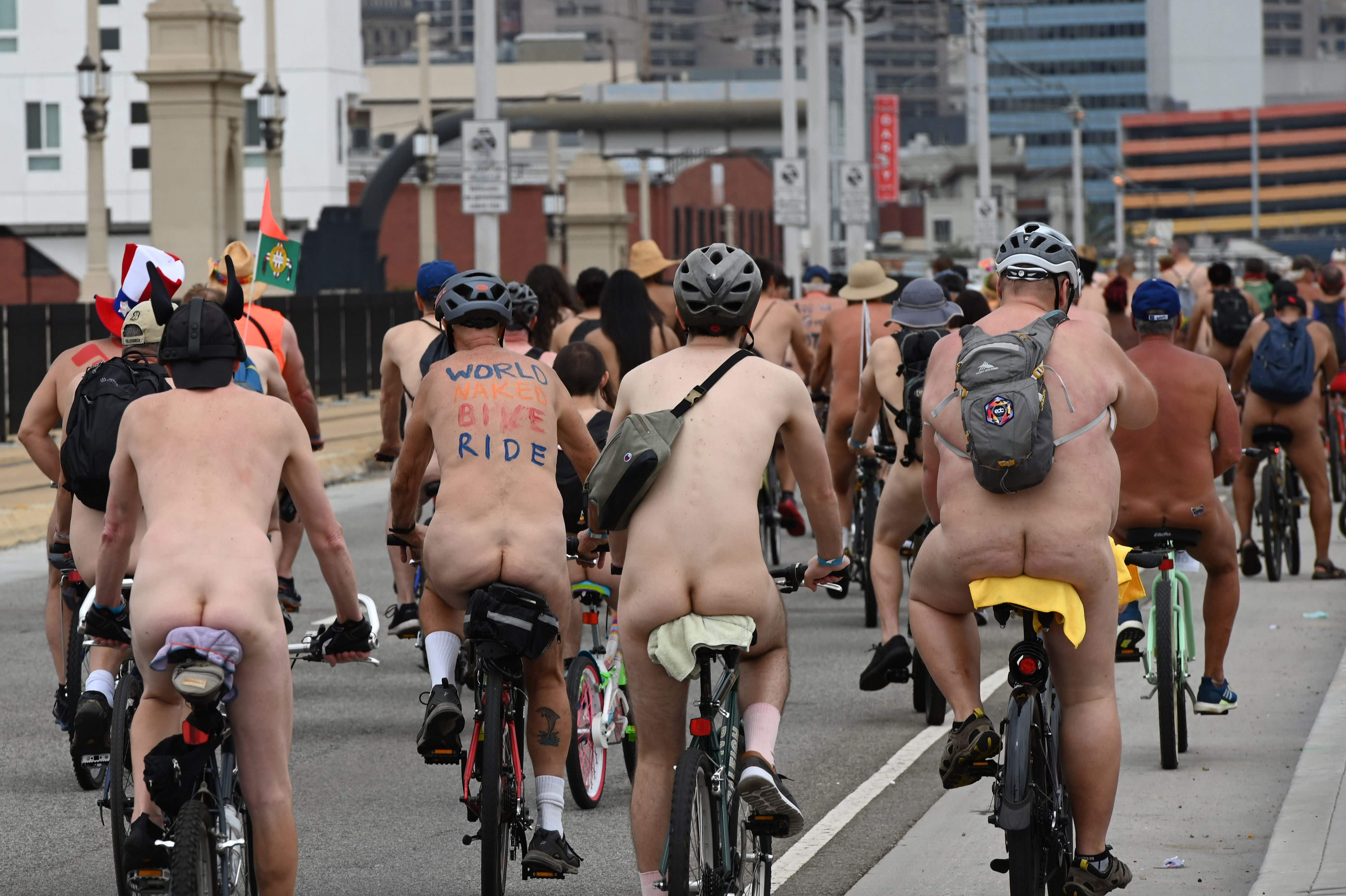 World Naked Bike Ride events embrace body positivity © Robyn Beck / AFP / Getty Images