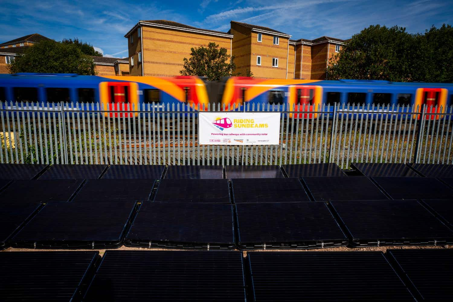 The first ever solar unit to directly supply a railway line with electricity has been put in place in England. Image: Andy Aitchison / 1010 Climate Action