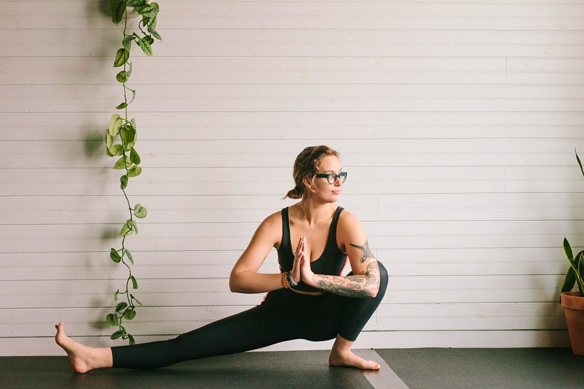 7 yoga poses you should be performing pre-flight